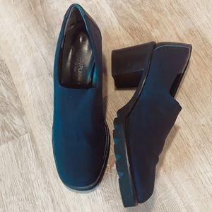 Donald J Pliner black shoes